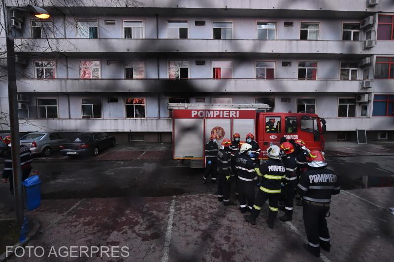 Tűszvész Bukarestben egy kórházban.